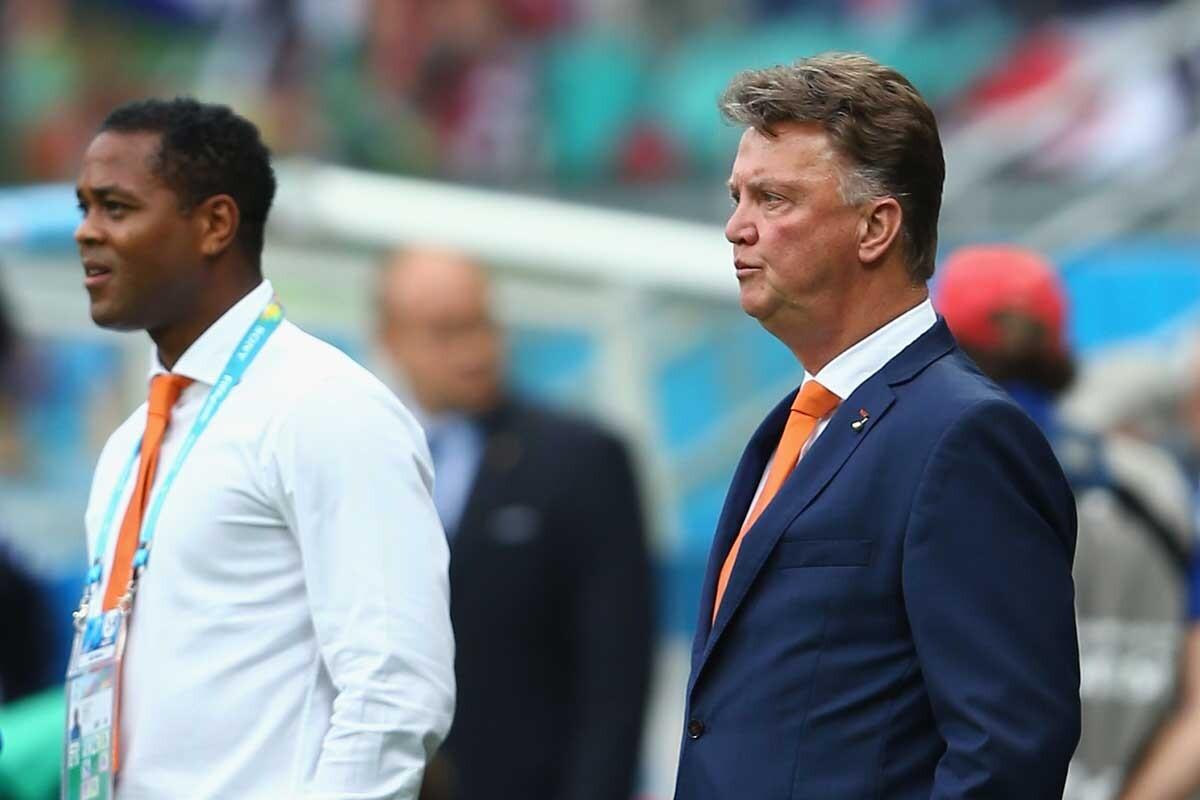 El exdelantero del Barcelona asegura que Van Gaal es el mejor entrenador para los jóvenes