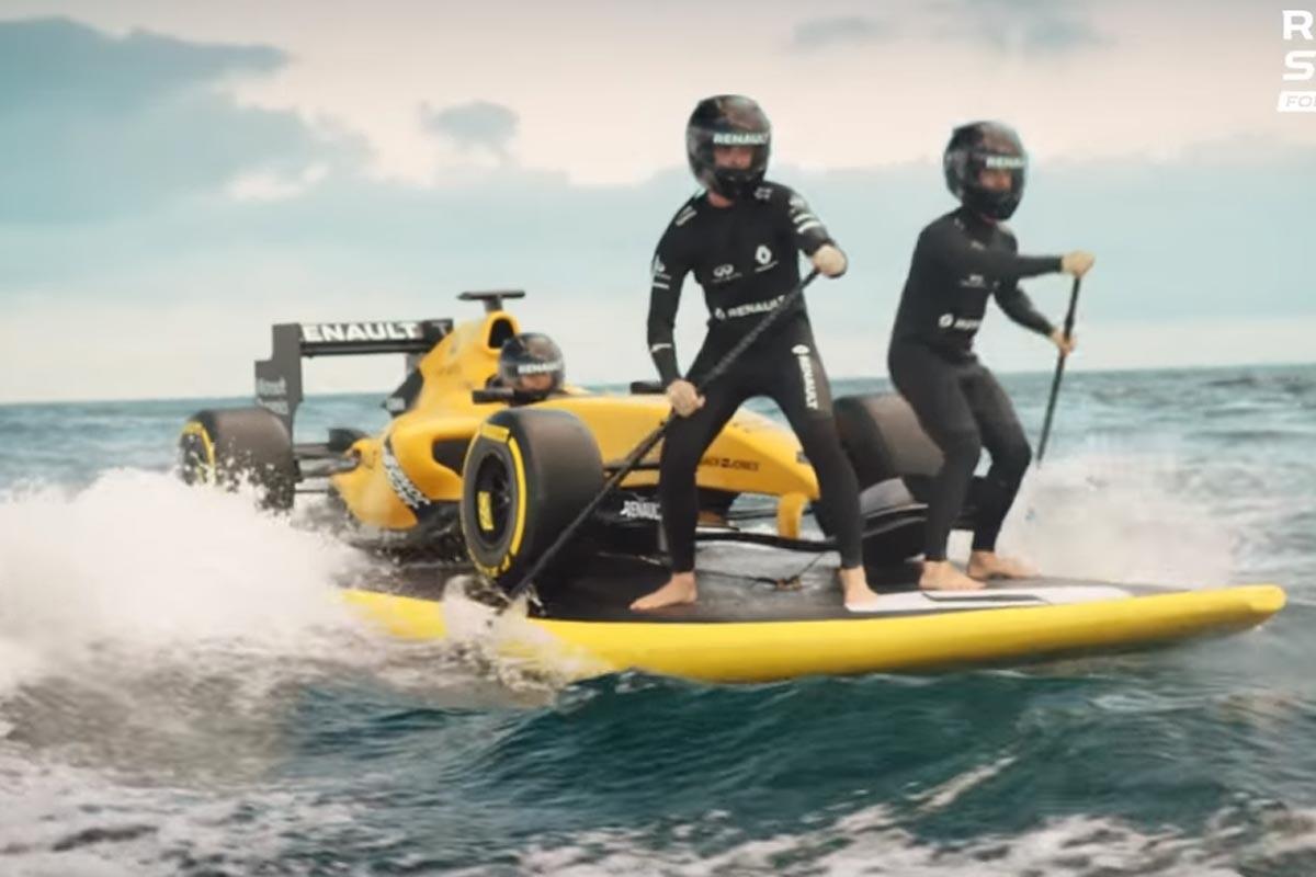Renault F1 haciendo surf
