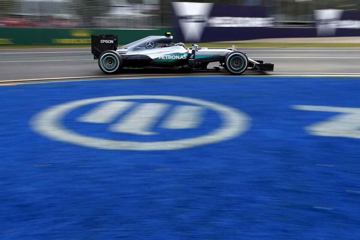 Rosberg gana en Australia