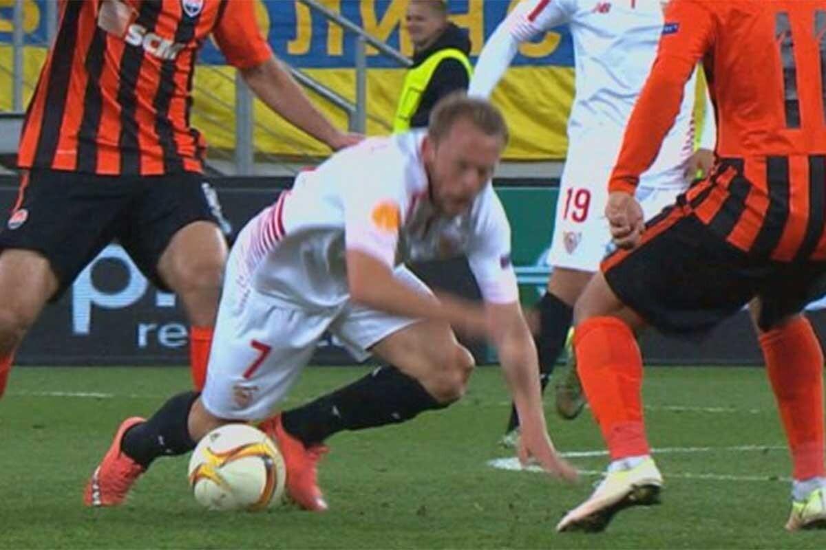 Grave lesión en su rodilla izquierda