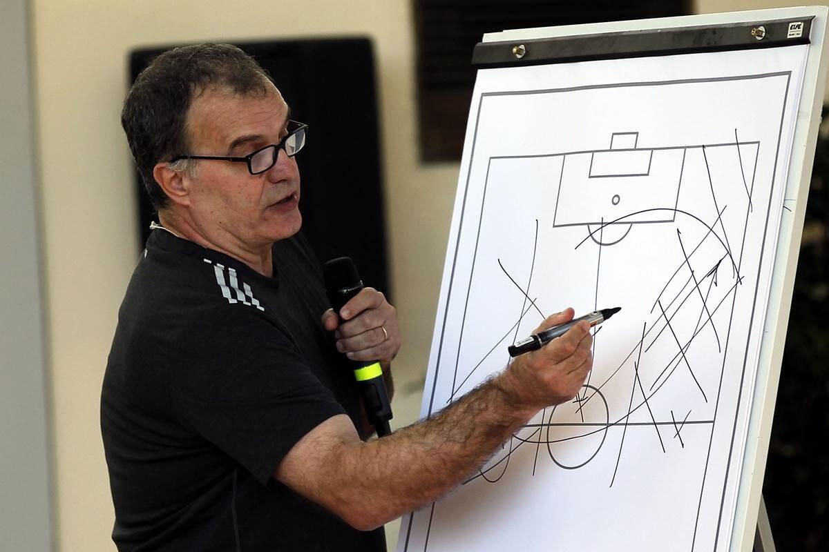 El Everton quiere fichar a Marcelo Bielsa para relevar a Roberto Martínez