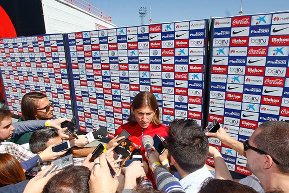 Filipe Luis comparece ante los medios
