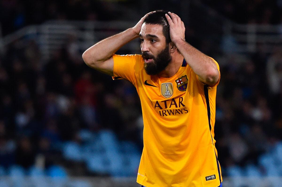 El Barcelona deja escapar su ventaja y se abre la Liga para Atlético y Real Madrid