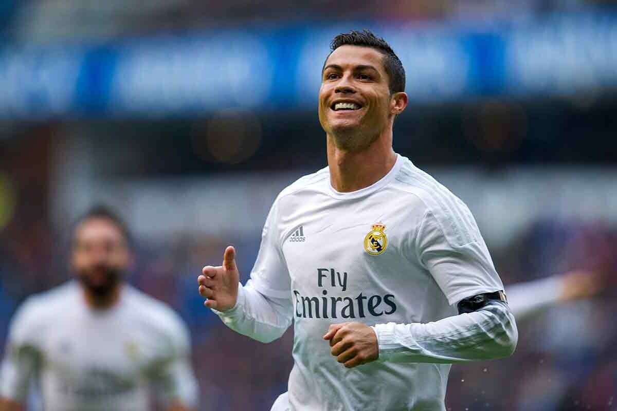 Primer jugador en lograr 50 goles o más en seis temporadas seguidas
