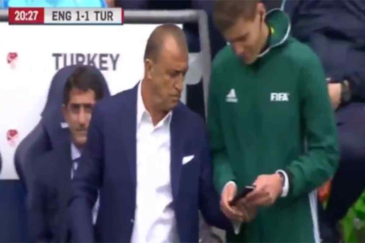 La 'jugada' de Fatih Terim, seleccionador de Turquía