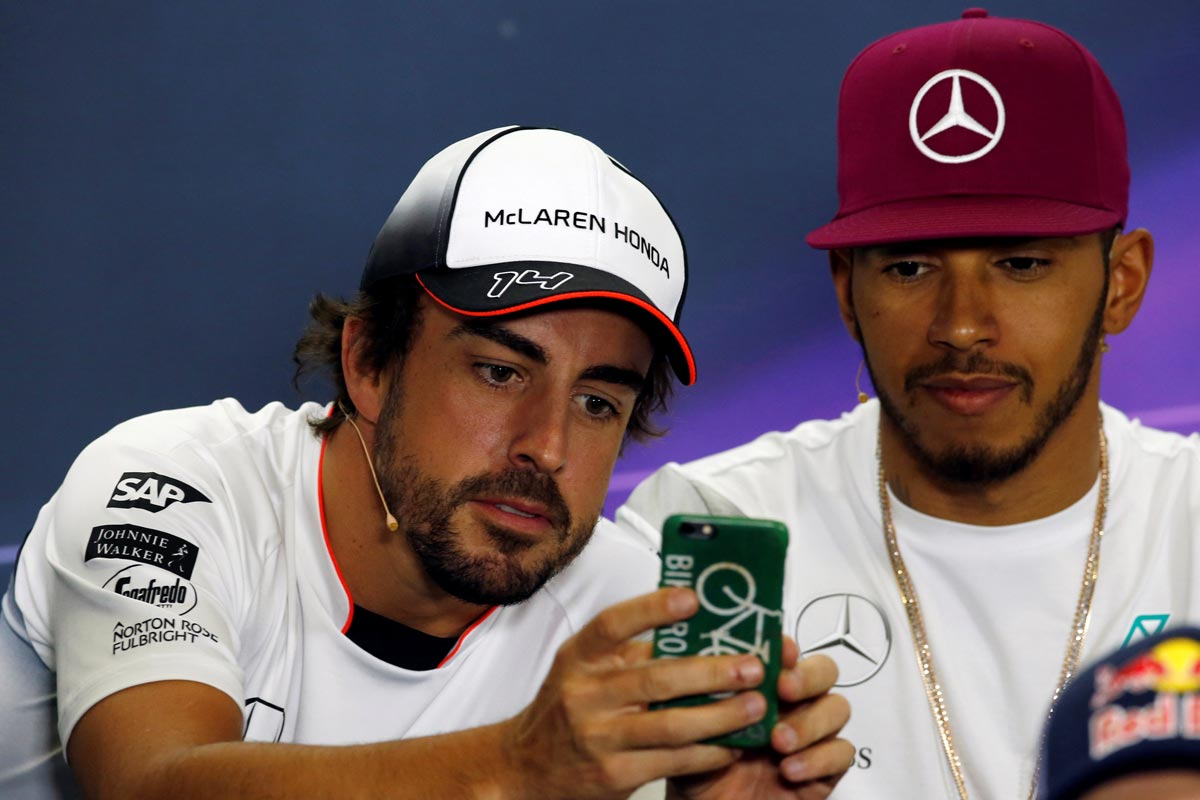 Oficial: Alonso a Mercedes hasta 2019