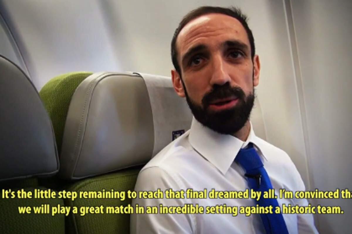 Juanfran en el avión