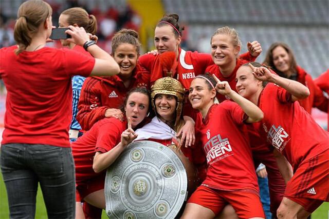 Vero Boquete celebra con el Bayern