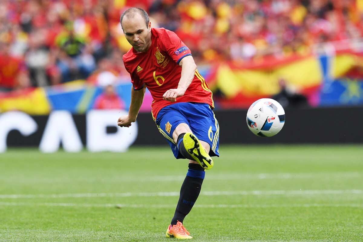 Andres Iniesta, con España