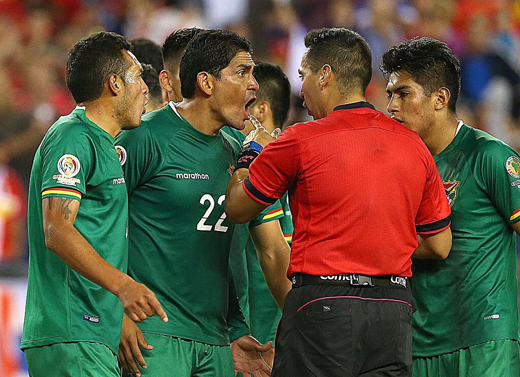 Bolivia reclamando contra Chile