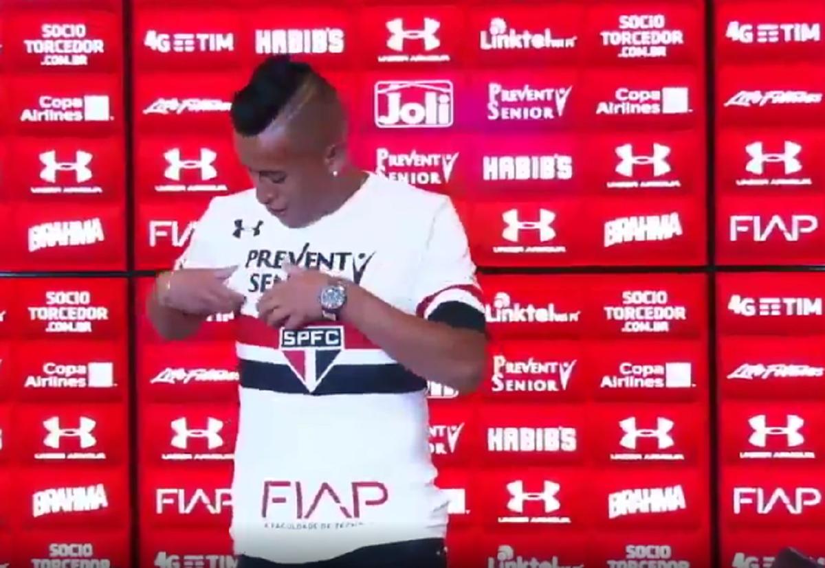 Cueva fue presentado con el Sao Paulo