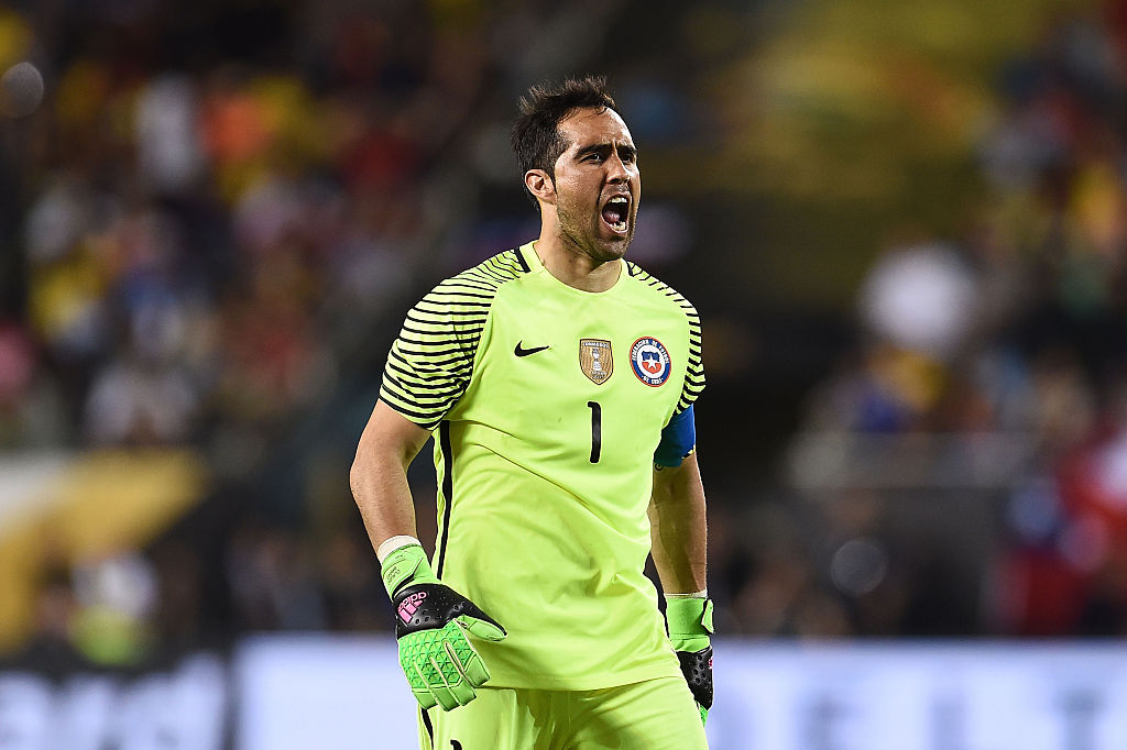Bravo ya piensa en la final contra Argentina