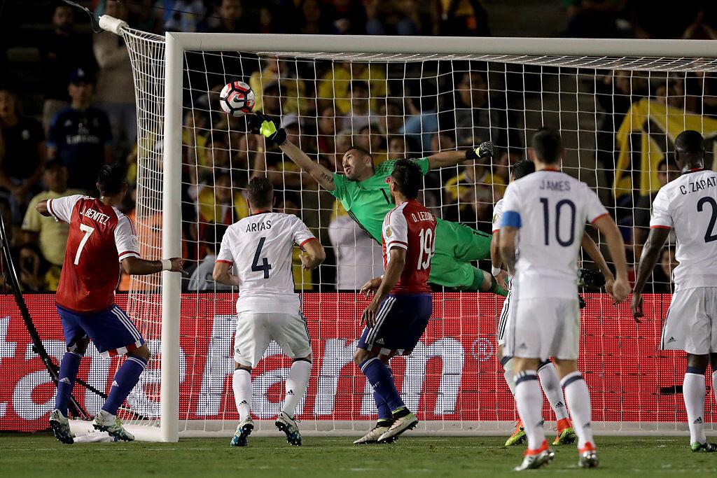Ospina vuela con Colombia