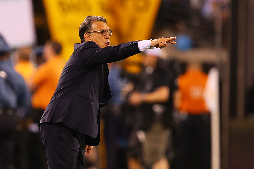 Martino dirigiendo en la final contra Chile