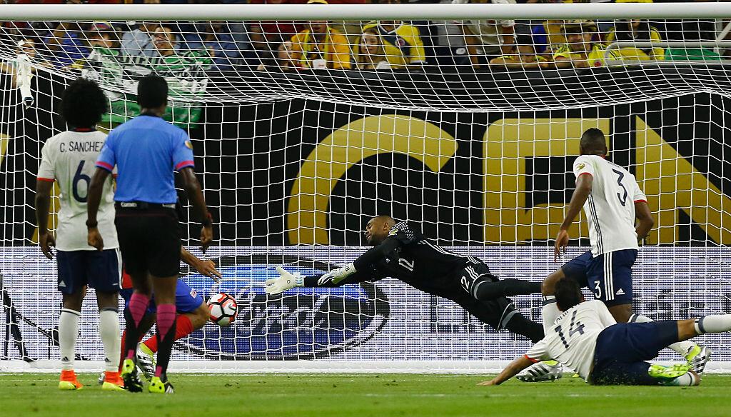 Gol de Costa Rica a Colombia