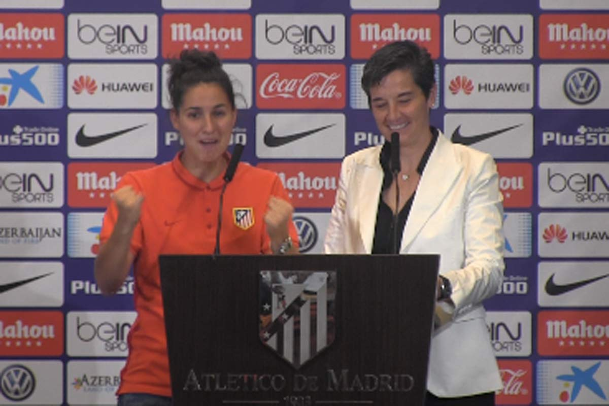 Atlético Féminas celebrando el título
