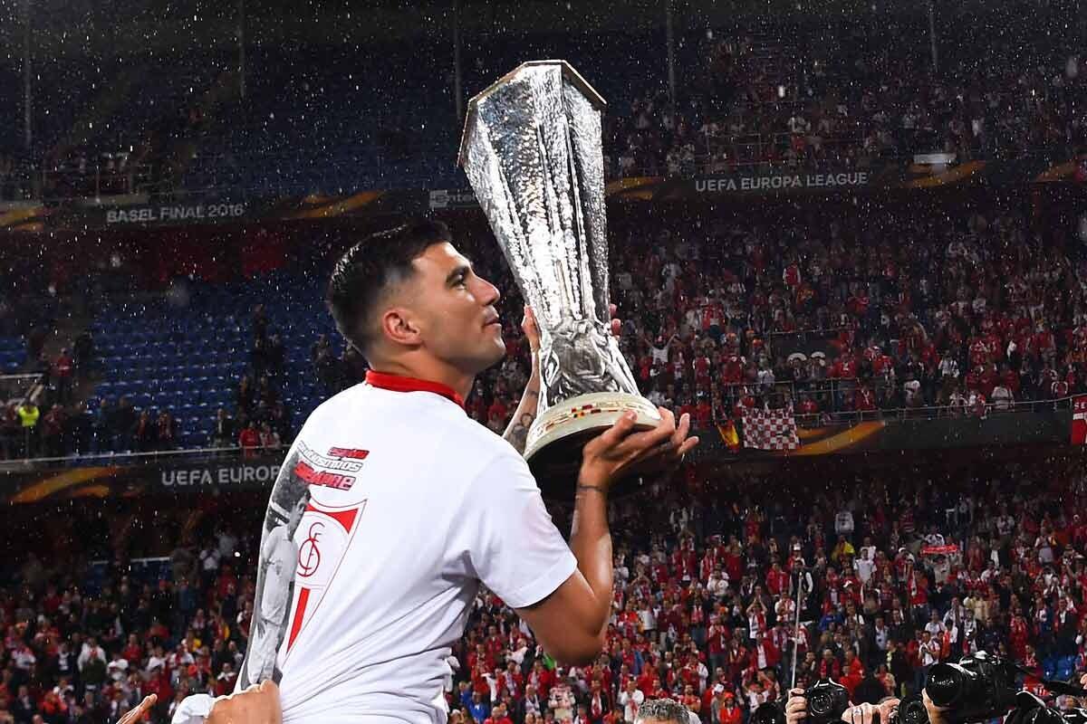 Llega libre tras acabar contrato con el Sevilla