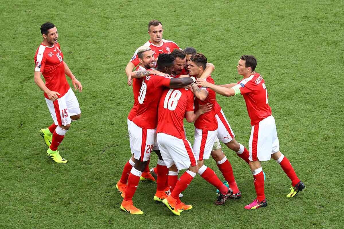 Suiza solo pudo empatar ante Rumanía