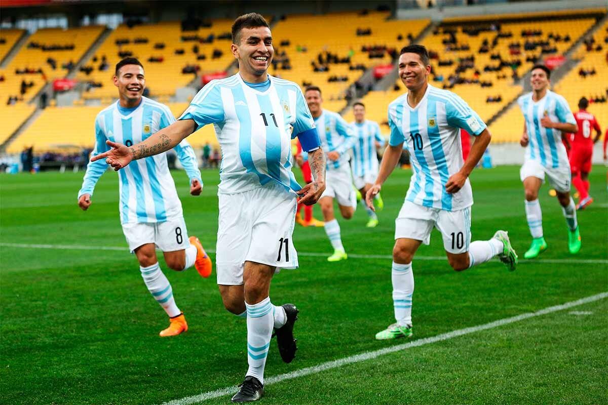 Ángel Correa celebra un gol con Argentina