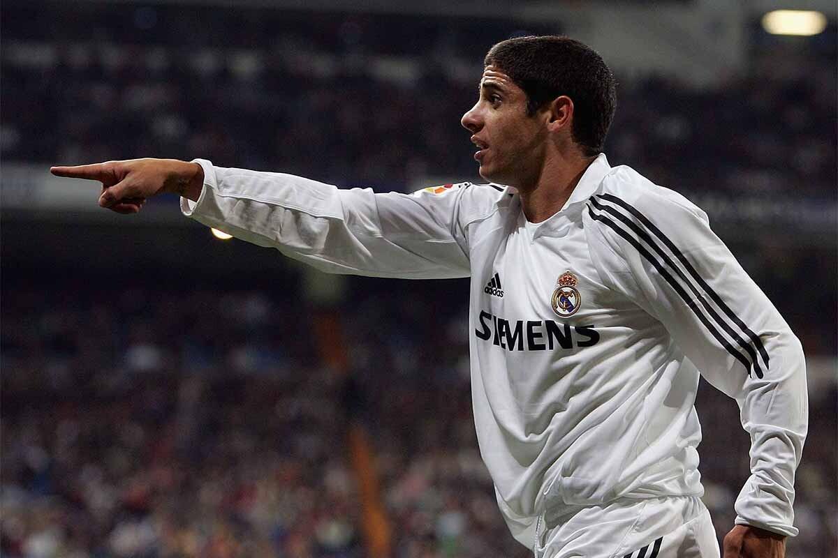Cicinho, durante su etapa en el Real Madrid