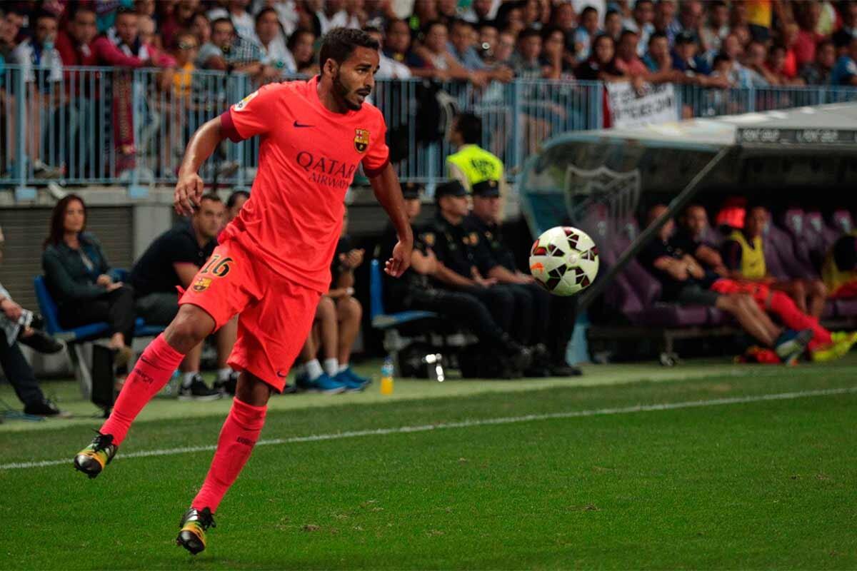 Douglas, durante un partido con el Barcelona