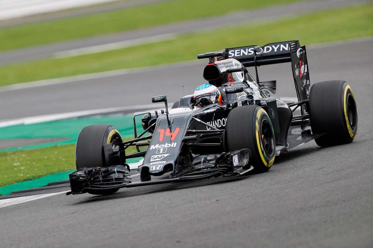 Alonso lidera en la primera sesión de test en Silverstone