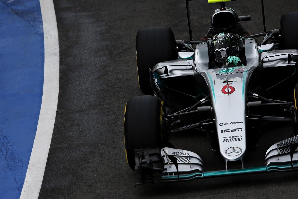 Rosberg es sancionado con diez segundos