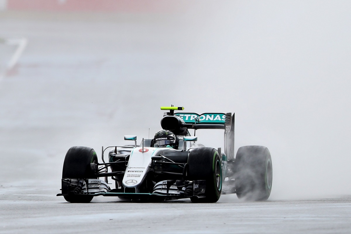 Polémica por la sanción a Rosberg