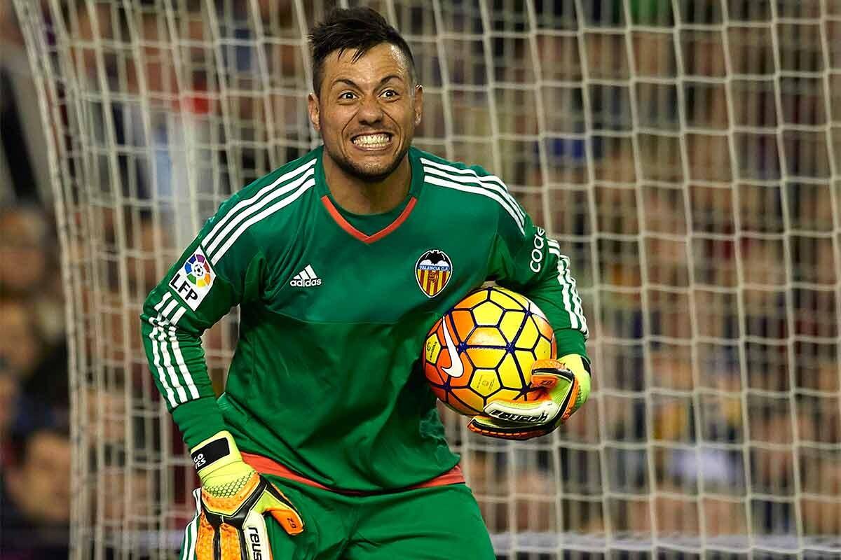 Diego Alves, durante un partido del Valencia