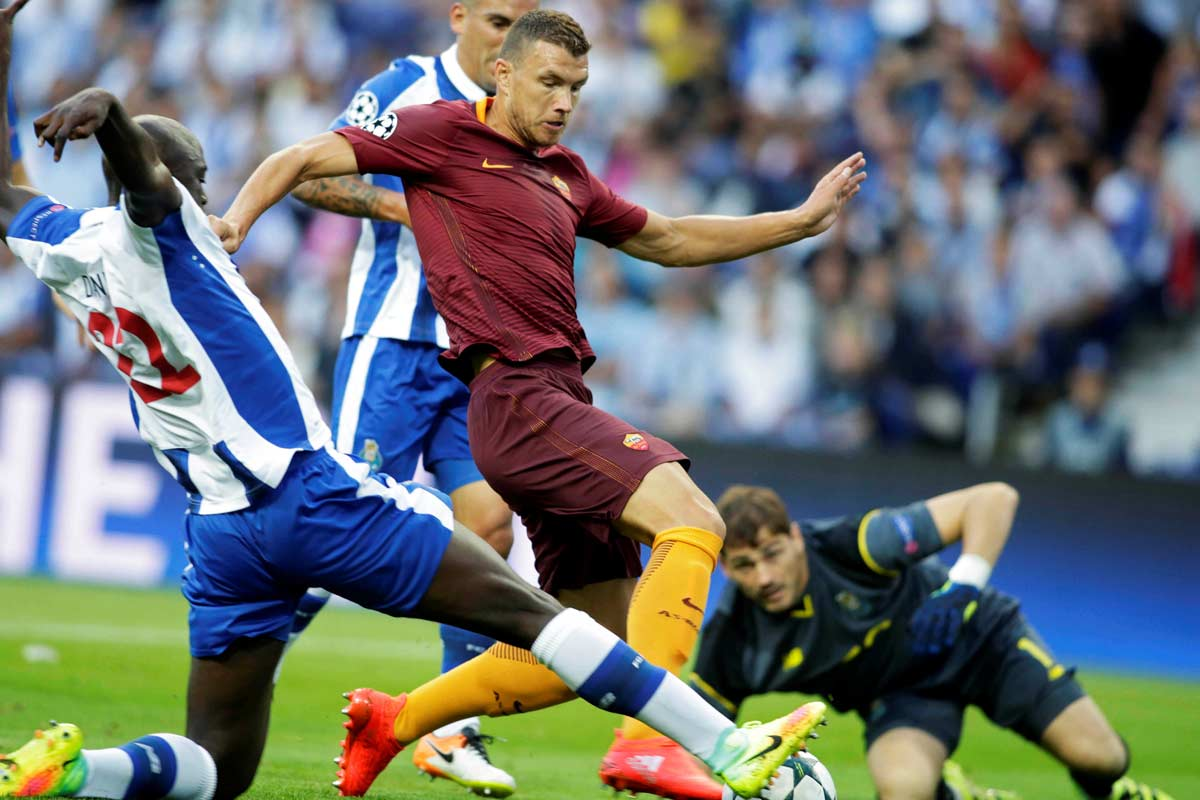Edin Dzeko e Iker Casillas, de Roma y Oporto