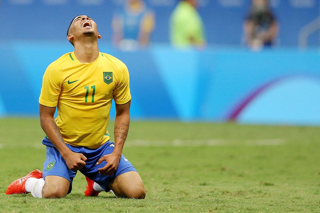 Gabriel Jesús se lamenta con Brasil