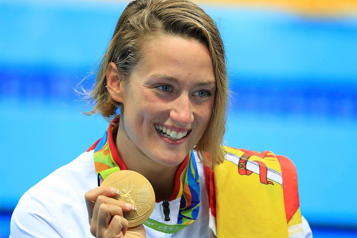 Mireia Belmonte, con su medalla de oro en Río 2016