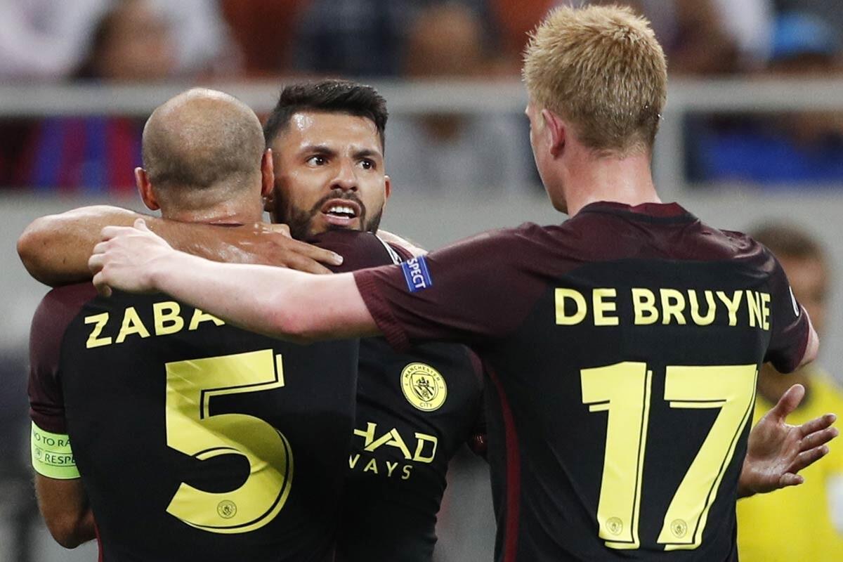 Sergio Aguero, del Manchester City, no puede jugar el derbi