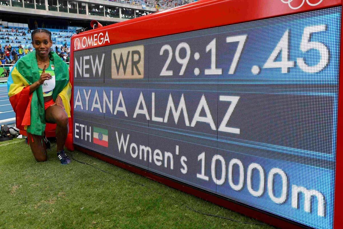 Almaz Ayana bate el récord de los 10km