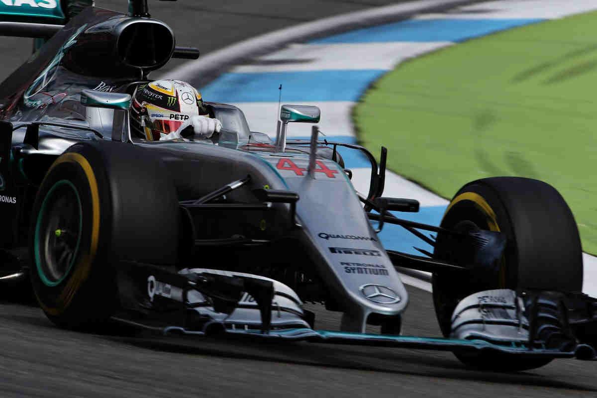 """Hamilton: """"Rosberg tiene una carrera libre por delante"""""""