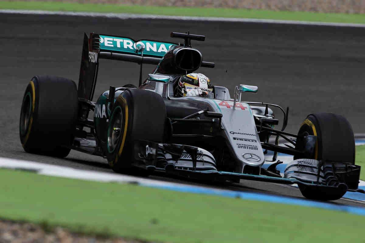 Hamilton lidera... pero por poco tiempo