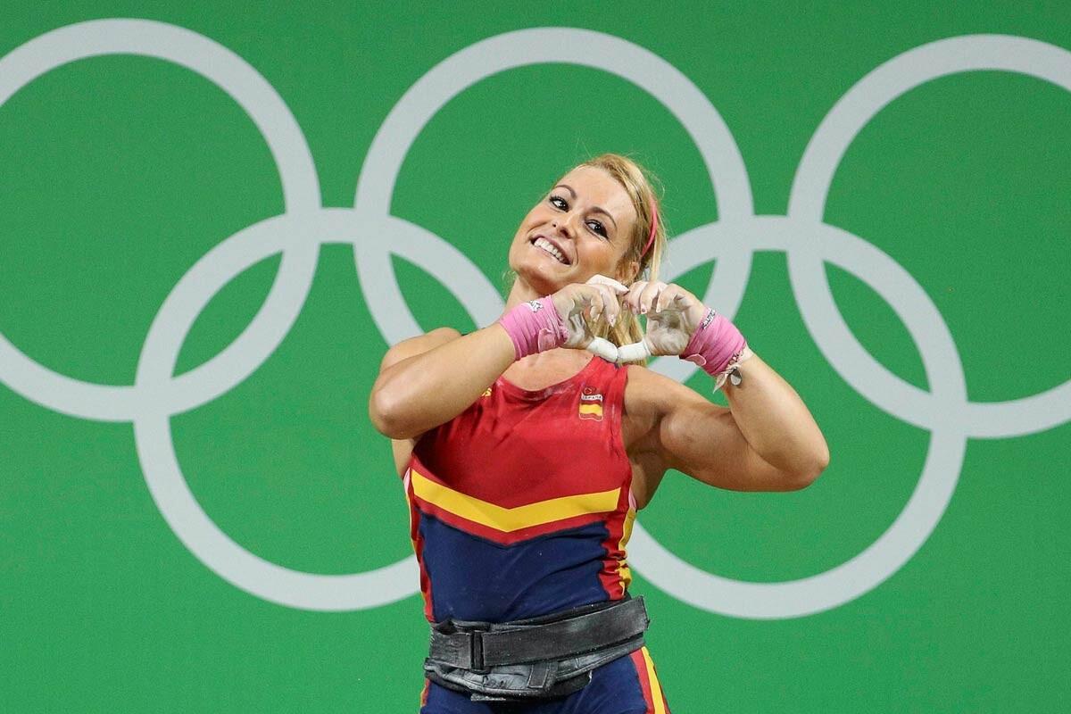 Lidia Valentín celebra su medalla