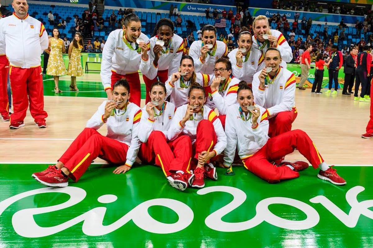 Medalla de plata para España en basket femenino