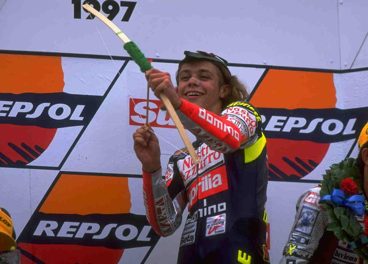 Se cumplen 19 años del primer título de Valentino Rossi