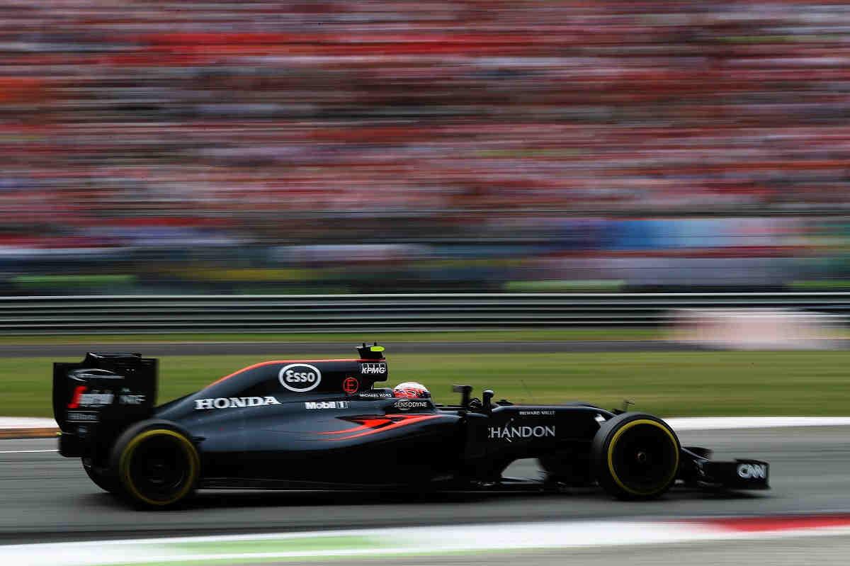 McLaren seguirá desarrollando su monoplaza hasta final de temporada