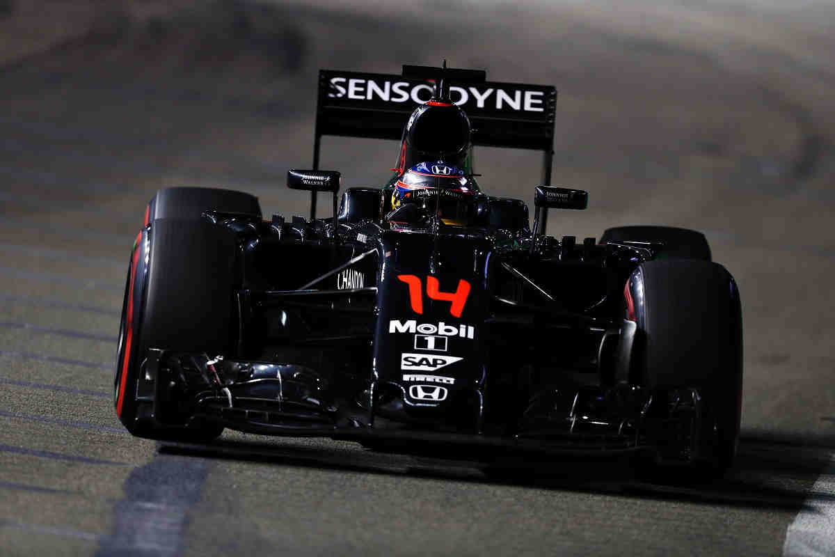 Alonso será sancionado con 30 puestos y saldrá último en Malasia