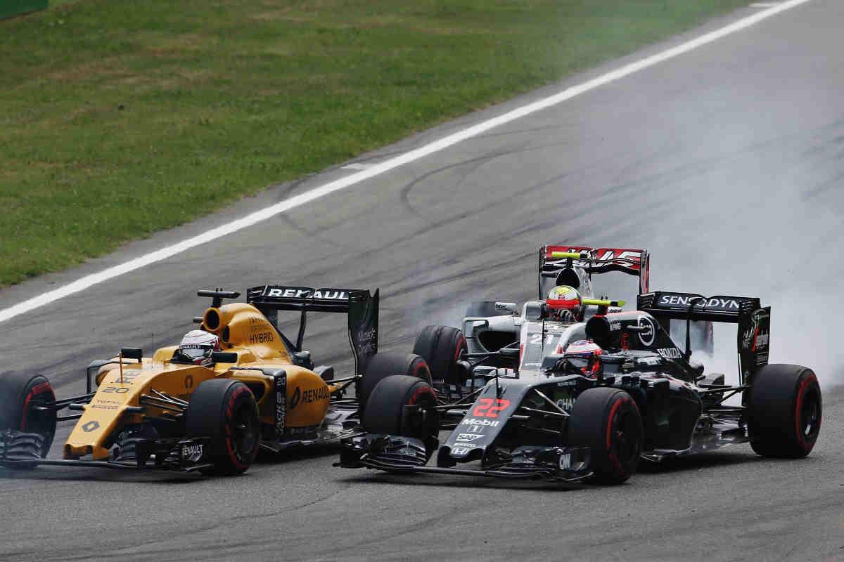 Button atribuye a sus planes de futuro la mala actuación de Monza