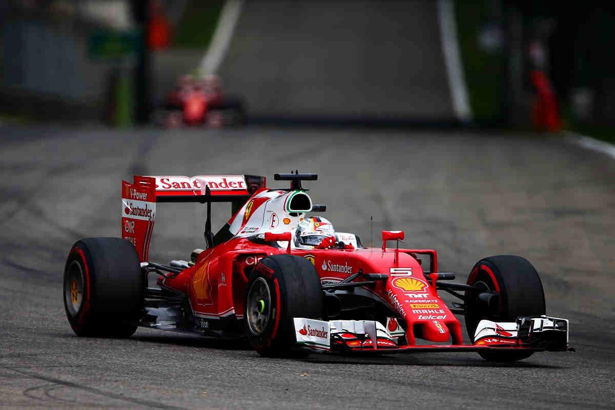 """Vettel: """"Nos vale con estar tras los Mercedes, porque el nivel es muy alto"""""""