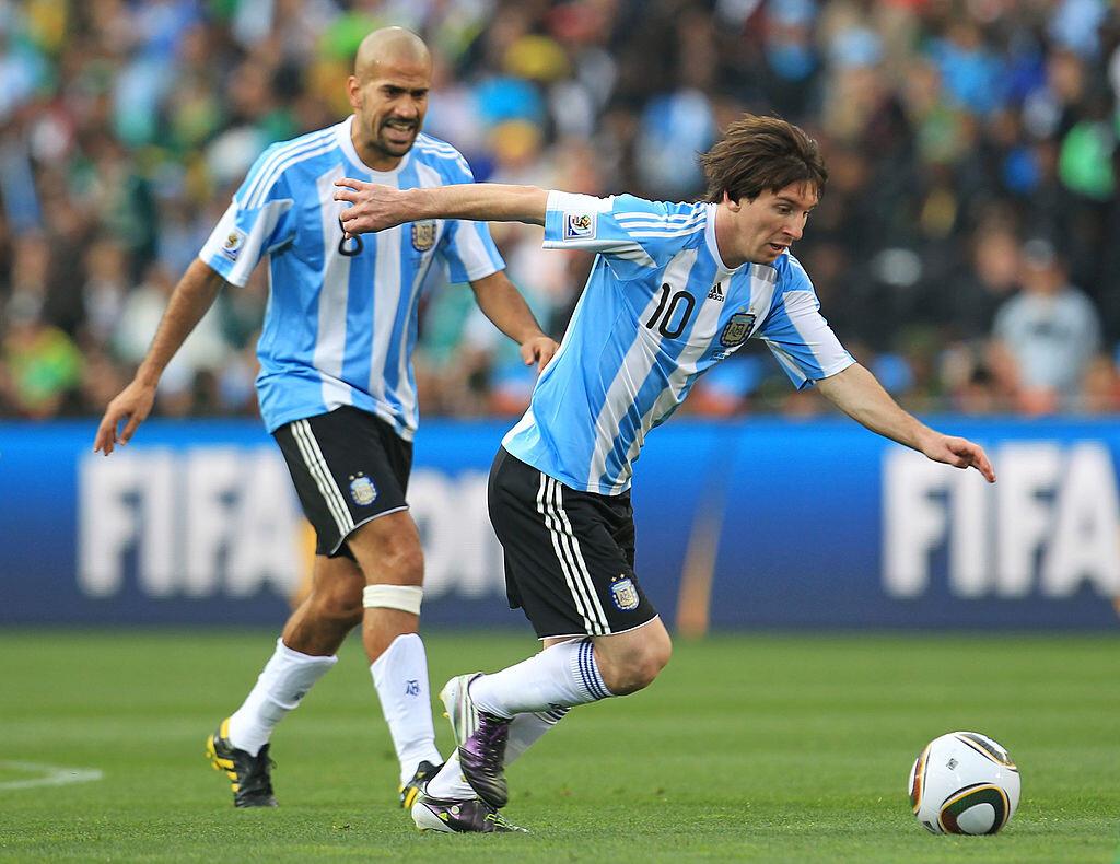 Verón y Messi en el mundial de Sudáfrica 2010