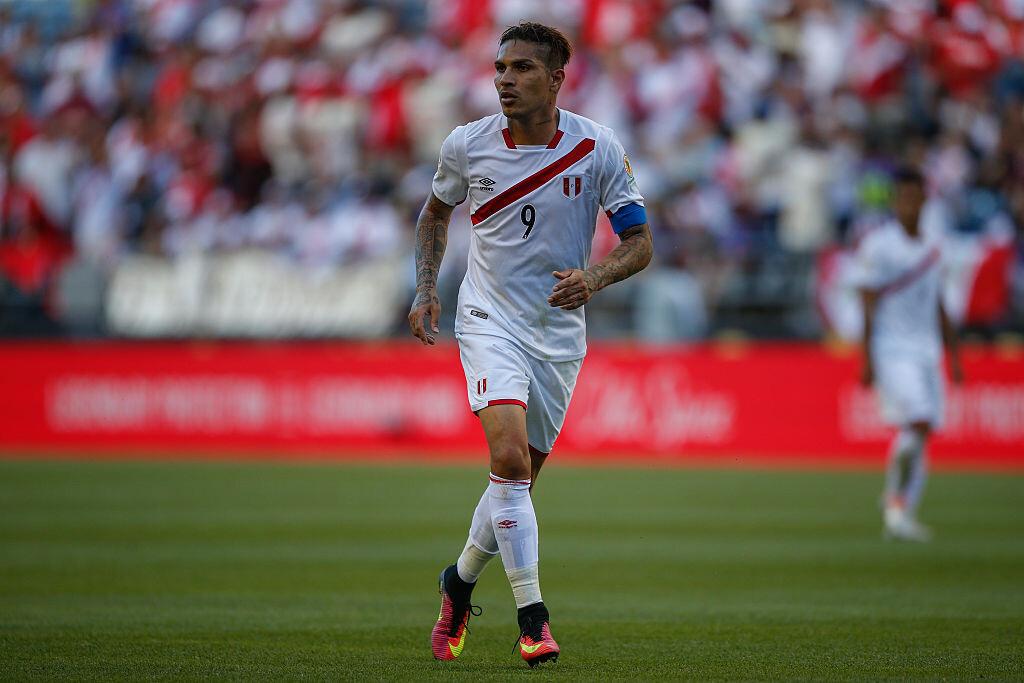 Paolo Guerrero encabeza el ataque de Perú en las Eliminatorias