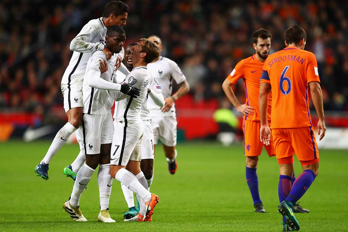 Paul Pogba celebra un gol con Francia