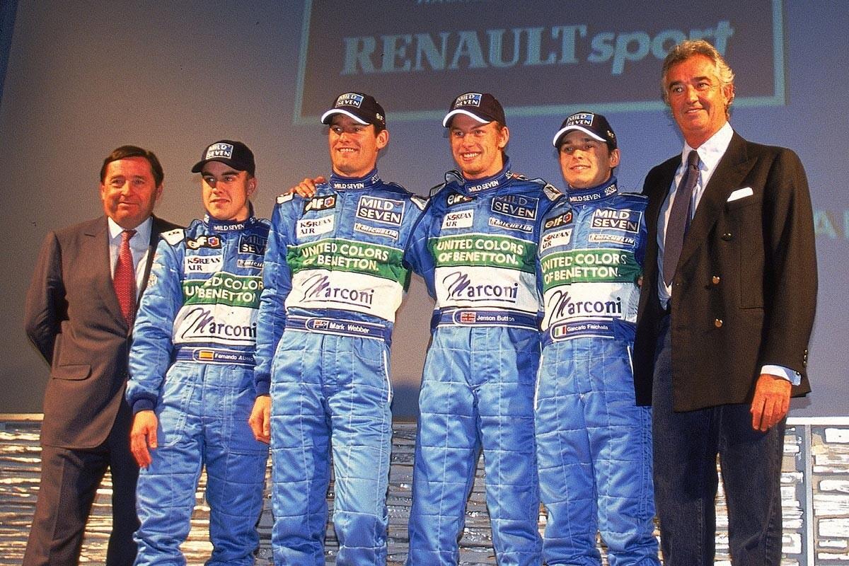Fernando Alonso, Mark Webber, Jenson Button, Giancarlo Fisichella y Flavio Briatore en Benetton Renault en 2001