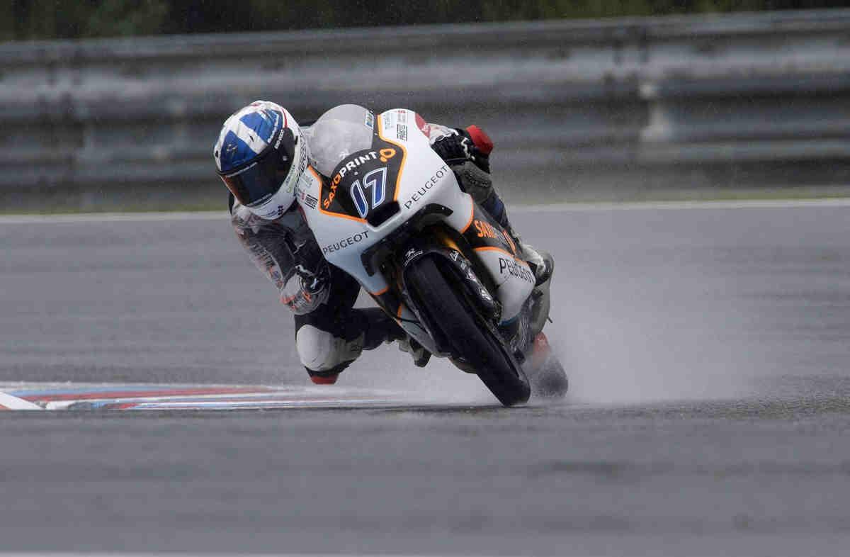 McPhee reina bajo el diluvio en el FP2 de Moto3; Moto2 se cancela por la lluvia