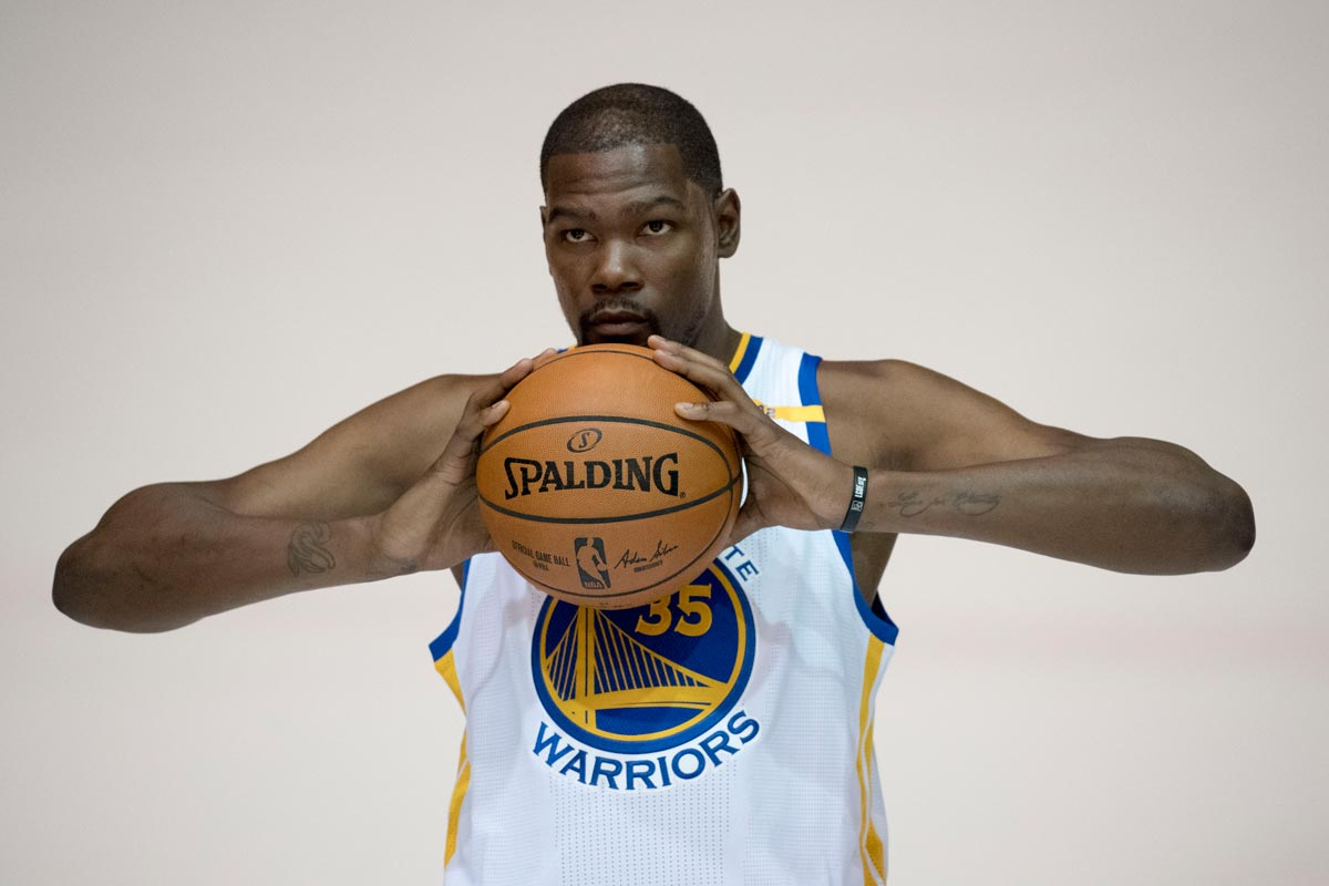Kevin Durant en el Media Day de Golden State