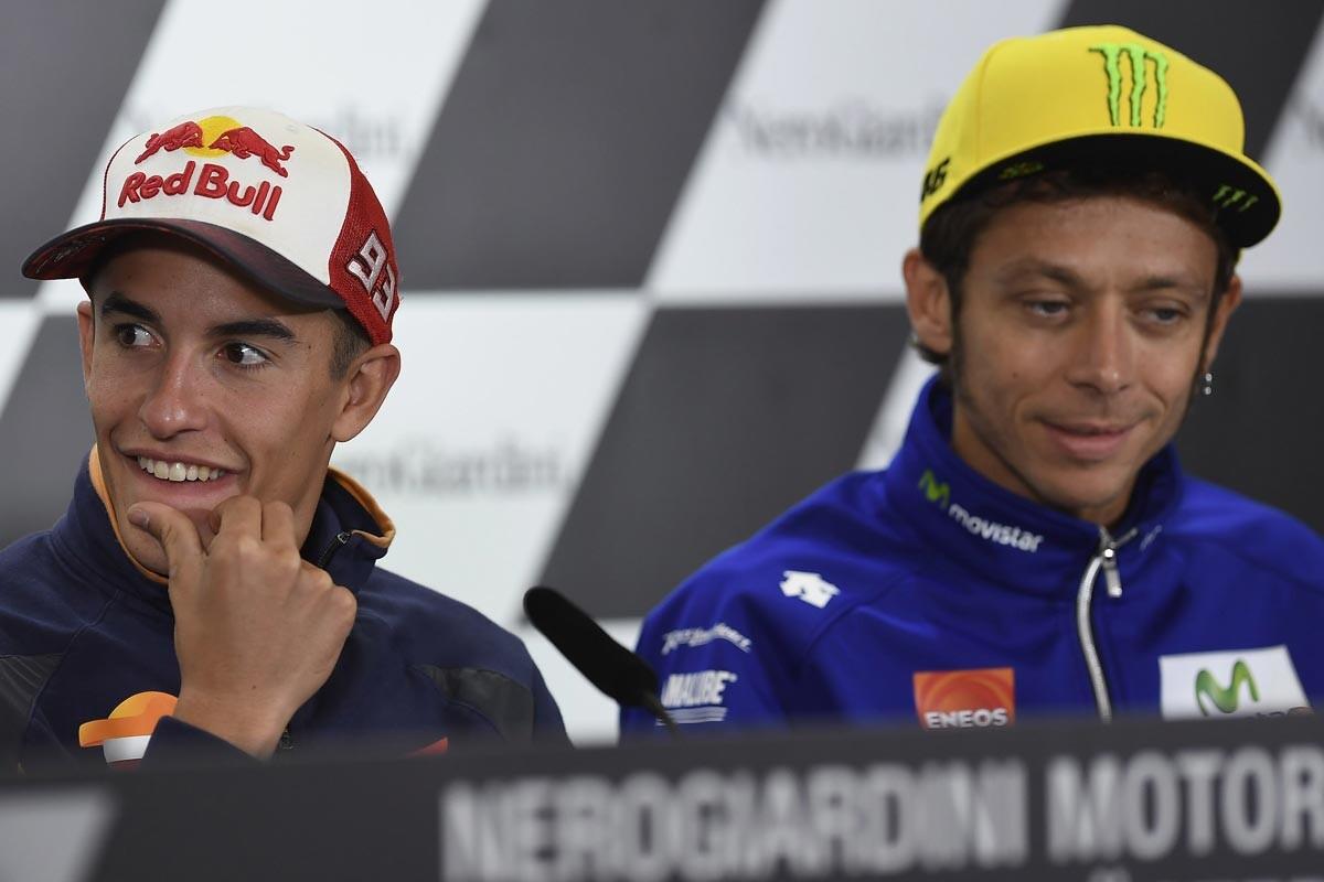 Marc Márquez y Valentino Rossi en rueda de prensa